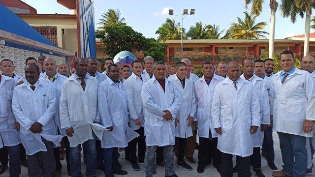 Brigada de médicos y enfermeros cubanos enviados a Lombardía, Italia, para combatir el coronavirus