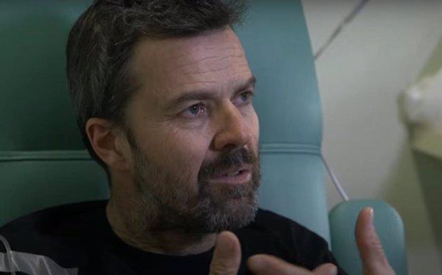 Pau Donés en el documental Jarabe contra el cáncer