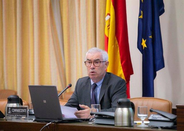 El fundador de la Sociedad Española de Microbiología Clínica y Enfermedades Infecciosas y miembro del Consejo Científico Asesor de la Fundación Gadea Ciencia, Emimlio Bouza, en el Congreso