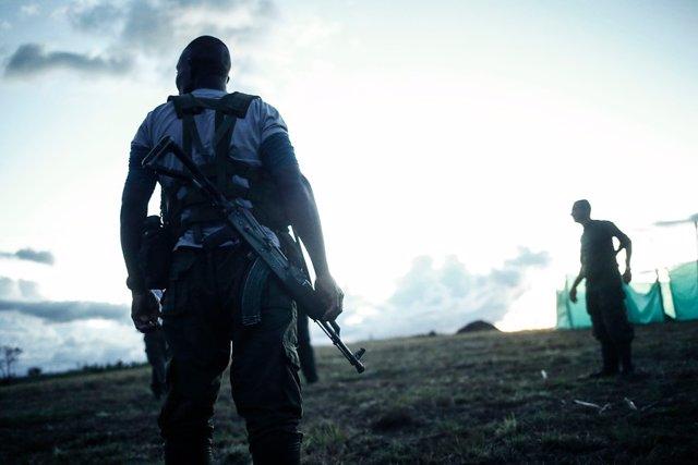 La Procuraduría de Colombia ha denunciado ante la Fiscalía un aumento del reclutamineto ilegal de menores de edad por parte de bandas armas del nacotráfico, autodefensas y guerrillas como el ELN.