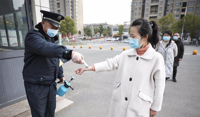Coronavirus.- China confirma tres nuevos casos importados de la COVID-19 en el n