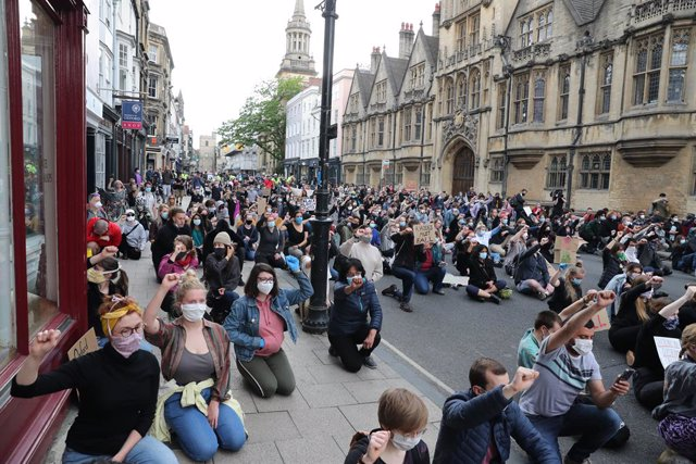 Manifestació a Oxford contra el racisme.