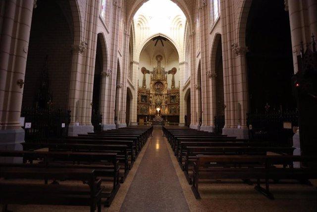 Interior de una parroquia. En Madrid, (España), a 28 de abril de 2020.