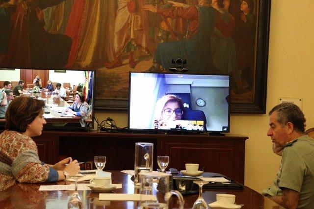 La delegada del Gobierno en Andalucía, Sandra García, expone las líneas fundamentales del protocolo de actuación en el ámbito migratorio.