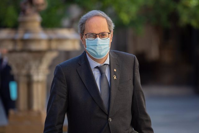 El president de la Generalitat, Quim Torra, a la seva arribada al Palau de la Generalitat el segon dia de la Fase 2 a Catalunya per celebrar el primer Consell Executiu presencial després que en els últims tres mesos els consells s'hagin realitzat de f