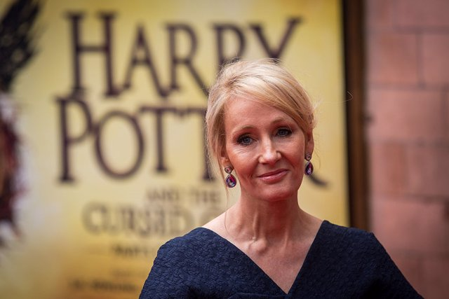 JK Rowling durante el estreno de Harry Potter and The Cursed Child,