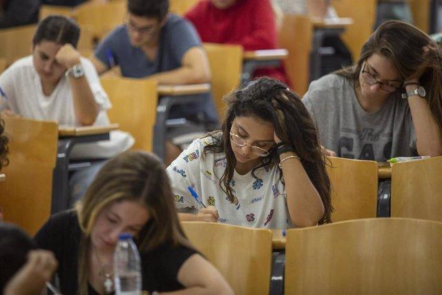 Convocatoria extraordinaria de las pruebas de Selectividad en la Universidad de Sevilla el pasado mes de septiembre.