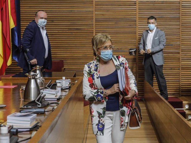 La consellera de Sanidad, Ana Barceló, comparece en Les Corts