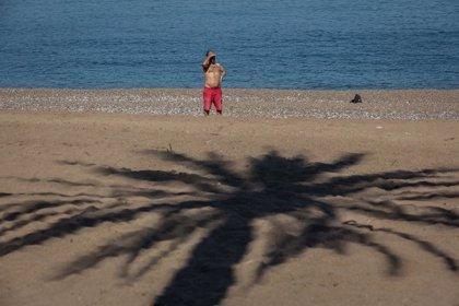 Albiol pide a Colau consensuar el uso de las playas metropolitanas por Sant Joan