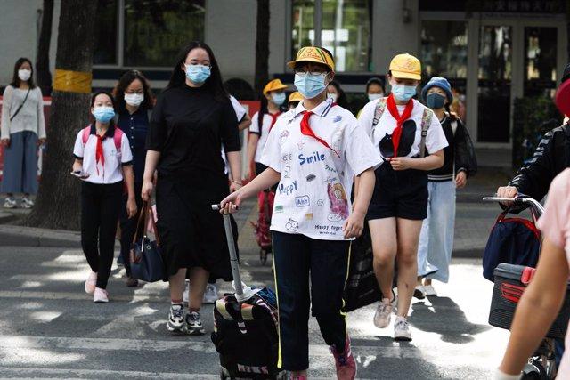 Coronavirus.- China confirma siete nuevos casos de la COVID-19, solo uno de ello