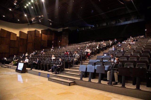 Una de las últimas mesas de trabajo sobre la reactivación económica tras el COVID-19 celebrada en el Palacio de Ferias y Congresos de Málaga