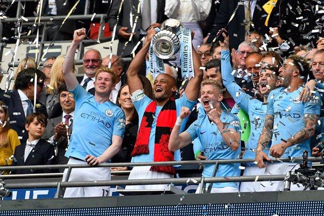 Fútbol.- La final de la FA Cup, bautizada 'Heads Up' para promover la salud ment