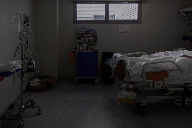 Situació d'un pacient ingressat en l'Unitat de Vigilància intensiva (Arxiu)