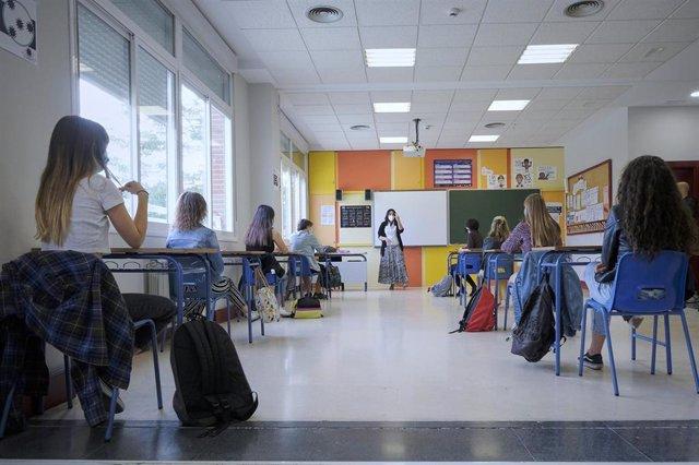 Estudiantes este mes de junio en clases de refuerzo en un colegio madrileño.