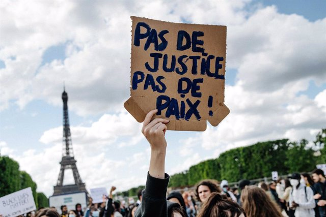 Protesta contra la violència policial a París