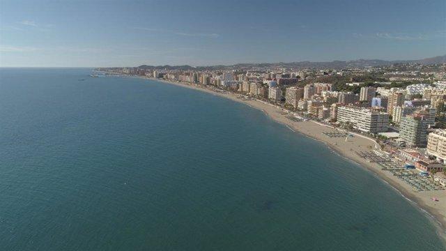 Vista aérea de una playa de Fuengirola (Málaga)