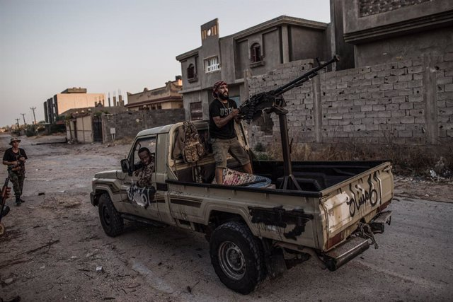Libia.- Exhumados más de 120 cuerpos de fosas comunes halladas en Tarhuna tras l