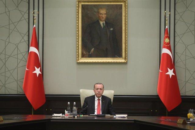 Turquía.- Turquía protesta por la suspensión en Twitter de más de 7.000 cuentas