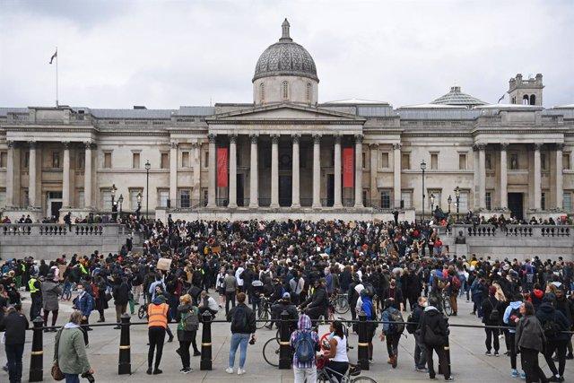 """R.Unido.- Johnson dice que las protestas antirracistas """"han sido secuestradas po"""