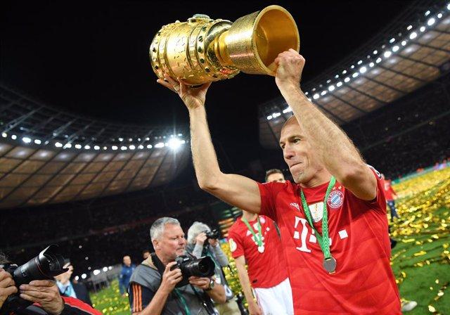 Fútbol.- Robben no descarta volver a jugar la próxima temporada