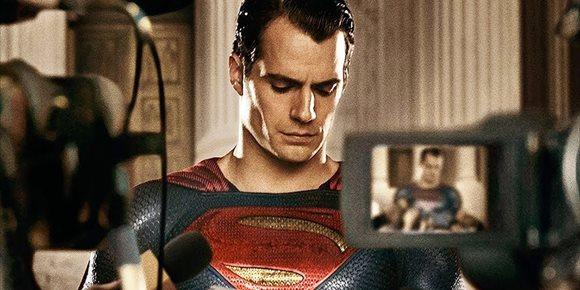 1. ¿Ha perdido Warner la fe en el Superman de Henry Cavill?