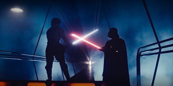 1. Los sables láser originales de los Jedi y Sith de Star Wars eran del mismo color