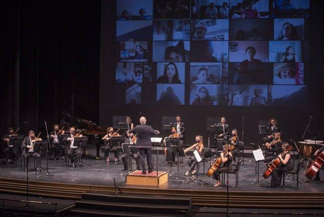 Imagen de la segunda actuación de la Orquesta Ciudad de Almería durante el estado de alarma decretado durante el coronavirus.