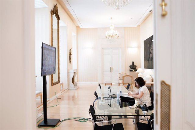 Foto recurso de la presidenta de la Comunidad de Madrid, Isabel Díaz Ayuso, en la videoconferencia de presidentes autonómicos.