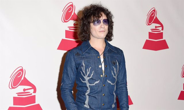 Singer Enrique Bunbury attends the 2014 Person of the Year honoring Joan Manuel Serrat at the Mandalay Bay Events Center on November 19, 2014 in Las Vegas, Nevada.