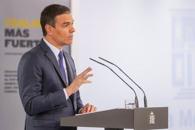 El president del Govern, Pedro Sánchez, durant la seva compareixença en roda de premsa en el Palau de la Moncloa després de l'última conferència amb els presidents autonòmics en l'estat d'alarma. a Madrid (Espanya) a 14 de juny de 2020.