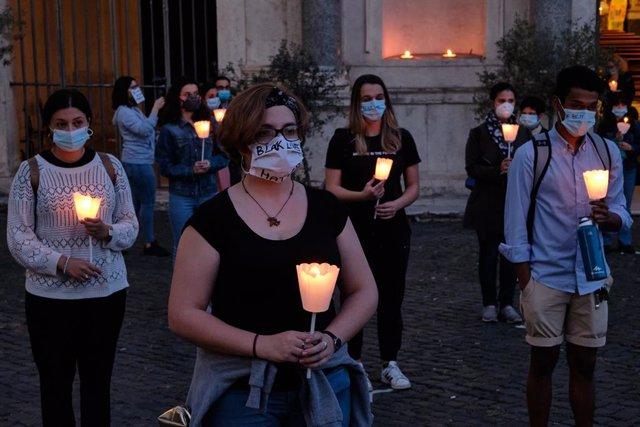 Vigília contra el racisme a Itàlia
