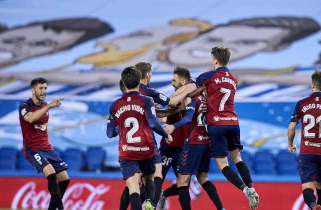Fútbol/Primera.- La Real desaprovecha una vuelta redonda por culpa de Osasuna