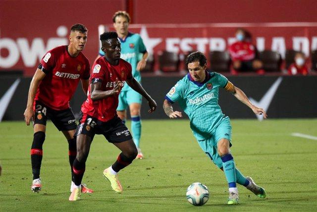 Fútbol/Pichichi.- Messi regresa defendiendo su Pichichi