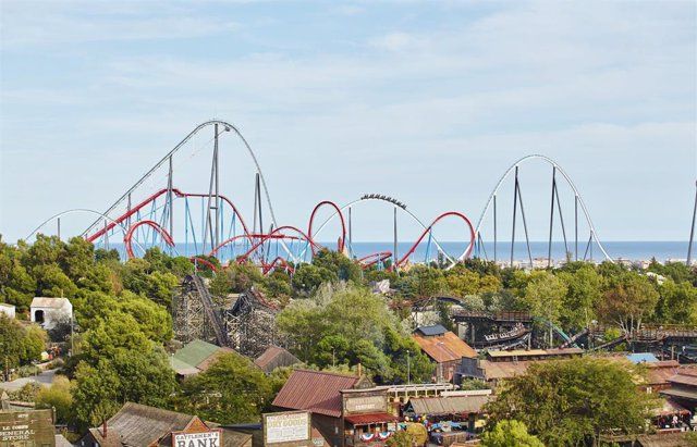 Atracciones Shambhala y Dragon Khan de PortAventura World Resort