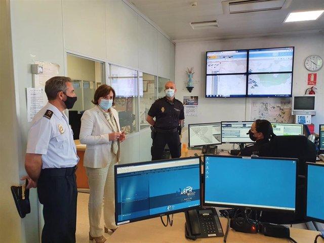 La delegada del Gobierno en Andalucía, Sandra García, visita la Jefatura Superior de Policía de Andalucía Oriental