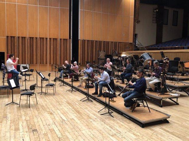 Músicos de la Orquesta Sinfónica del Principado de Asturias (OSPA) retoman la actividad con la grabación de 'La noche celta', este lunes en el Auditorio Príncipe Felipe de Oviedo.
