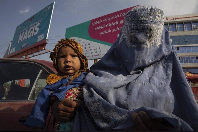 Coronavirus.- La UE establece un puente aéreo humanitario con Afganistán que lle