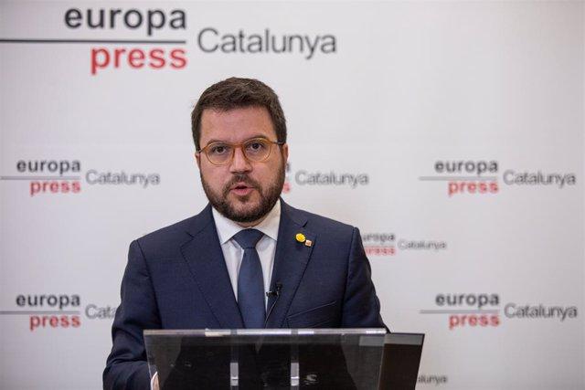 El vicepresident de la Generalitat de Catalunya i conseller d'Economia i Hisenda, Pere Aragonès, protagonitza una de les Trobades Digitals d'Europa Press presentada pel president d'Europa Press, Assís Martín de Cabiedes.