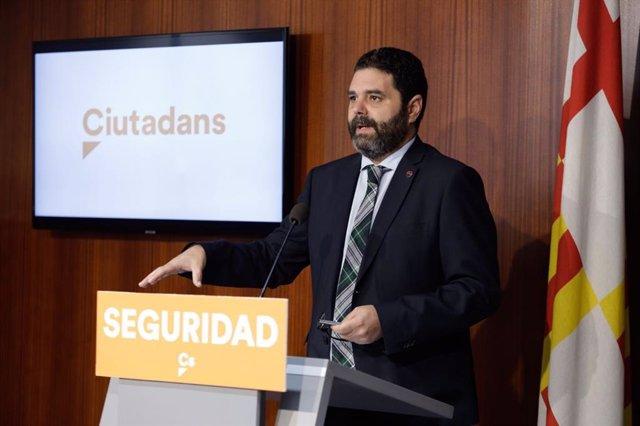El concejal de Cs, Paco Sierra, en rueda de prensa (archivo)