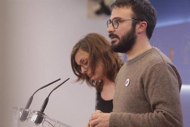 Los diputados de la CUP en el Congreso de los Diputados Mireia Vehí, y Albert Botran.