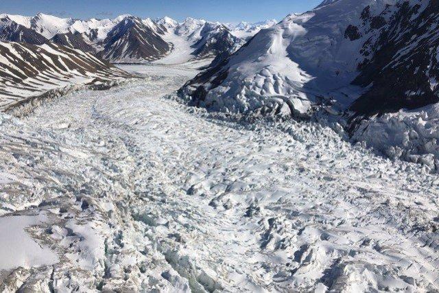 Granos milimétricos de sedimiento desatan las oleadas glaciares