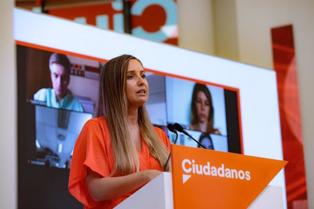 La portaveu de l'Executiva de Cs, Melisa Rodríguez, en una conferència de premsa a la seu del partit.