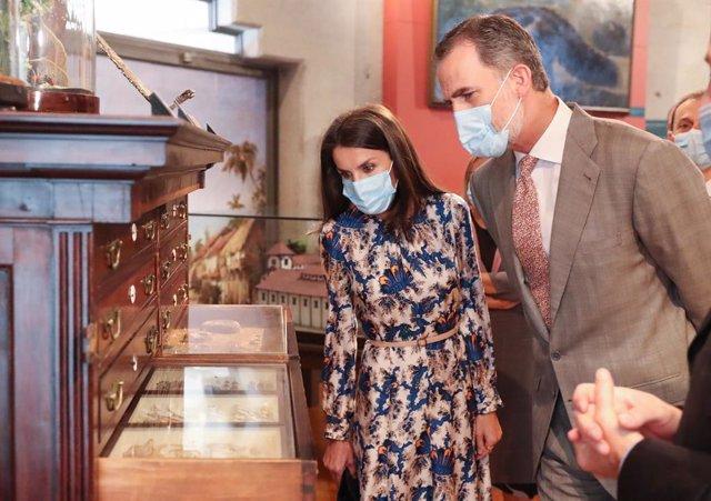 Los Reyes visitan el Museo Nacional de Ciencias Naturales