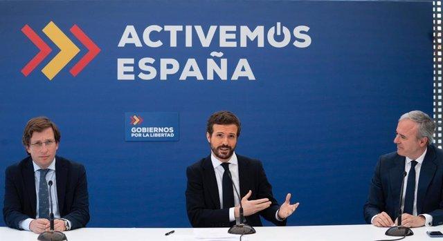 """El presidente del PP, Pablo Casado, se reúne con alcaldes del PP cuando se cumple un año de lo que el partido llama """"gobiernos de la libertad"""". En Madrid, a 15 de junio de 2020."""