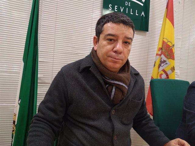 """José Carlos Raigada, alcalde de Almadén de la Plata, defiende la gestión """"limpia y transparente"""" del primer año de mandato de Cs,"""