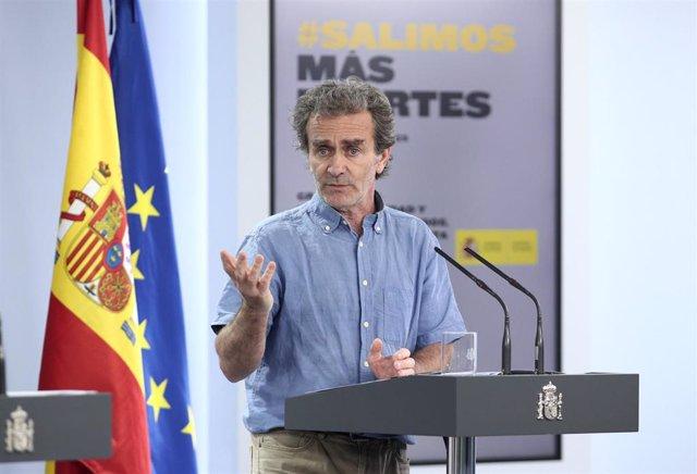 El director del Centro de Coordinación de Alertas y Emergencias Sanitarias (CCAES), Fernando Simón a su llegada a la comparecencia en Moncloa,