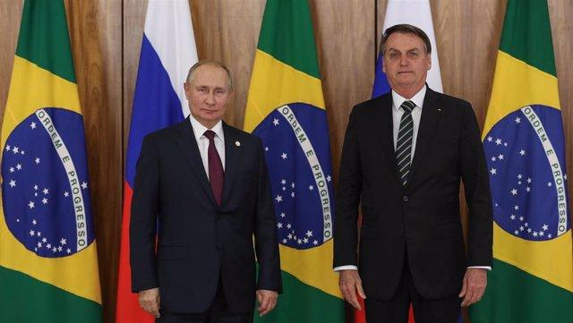 Los presidentes de Rusia, Vladimir Putin, y Brasil, Jair Bolsonaro (Imagen de archivo)
