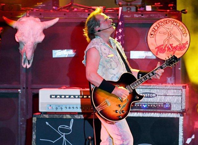 Ted Nugent en concierto en Sunset Station