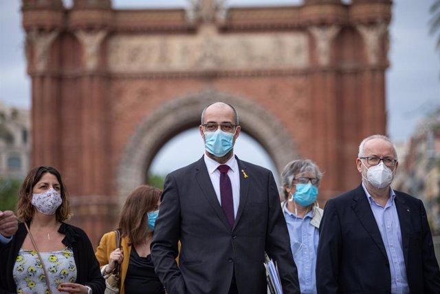 El conseller d'Interior de la Generalitat, Miquel Buch, al costat del secretari general d'Interior, Brauli Duart, arriben al TSJC, el 16 de juny de 2020.