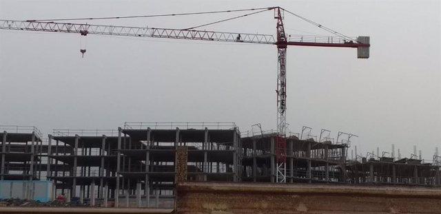 Obras de construcción de un hotel en La Tejita
